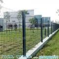 广州桃型柱护栏网厂家 定做成本 佛山三角折弯围网出口