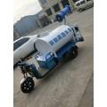 小型自动洒水车