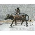 现货热卖牧童骑黄牛吹笛雕塑 仿铜小孩放牛雕塑