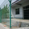 护栏网厂家简单介绍现货双边丝护栏网的规格和报价