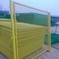 江苏钢板网护栏网厂家批发菱形孔护栏网现货 钢板网护栏安装要求