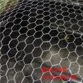 热镀锌PVC包塑勾花网浸塑 球场防护围栏网 隔离网 钢铁丝网