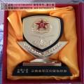 江苏部队转业干部纪念品 木质八一纪念品 机关单位表彰奖牌制作