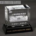 优质工程纪念品定制 水晶人物内雕厂家 工程造型摆件