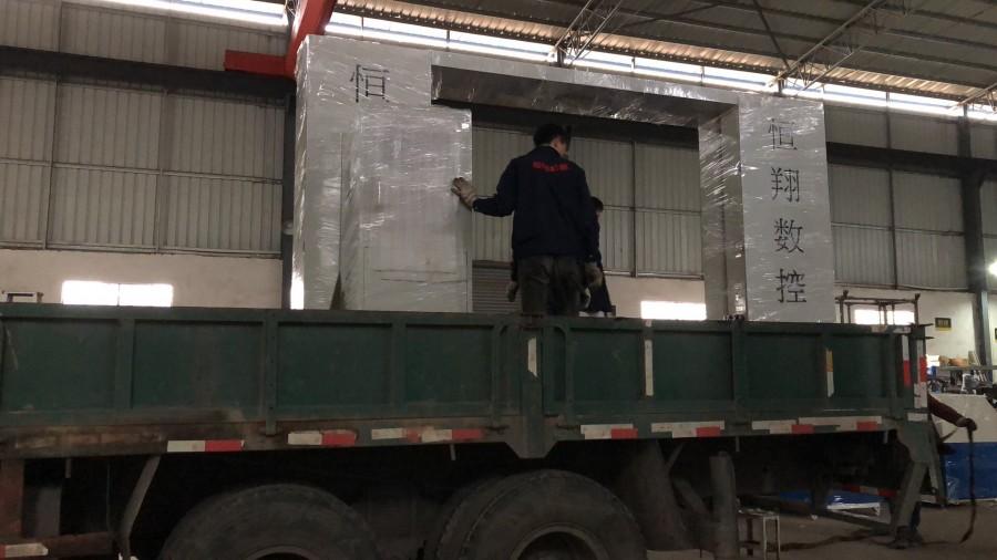 江西海绵仿形切割机泡棉机械厂家生产加工图