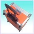 東莞市萊迪鋁箱制品廠供應鋁質拉桿箱,帶拉桿工具箱