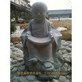 麻城定制石雕罗汉坐像石雕小和尚低价批发