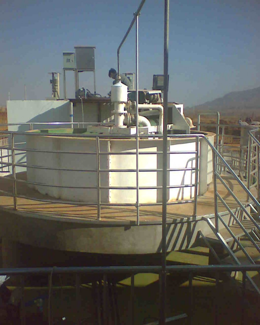 山東貝潔全自動加藥裝置氣浮澄清污水處理設備
