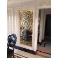 铜艺镂空屏风 进门处适当安装欧式铜屏风